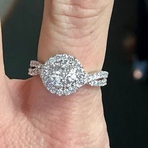 14k Gold 1 Carat Diamond Halo Engagement Ring